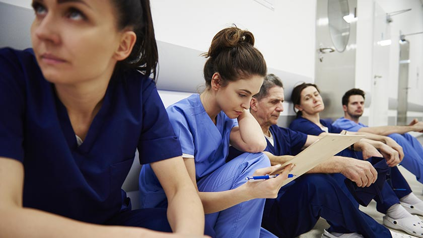 Why are experienced nurses leaving work?