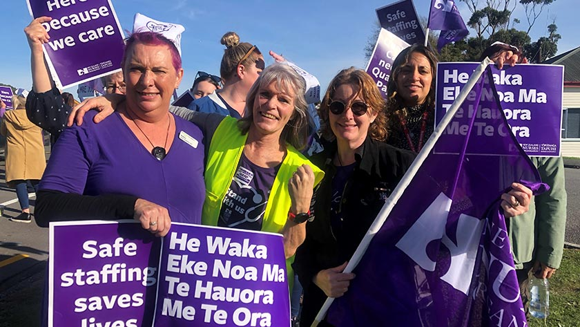 Andrea Reilly (left), Nelly Hofman (centre) and Sara Mason on the Greymouth picket line.